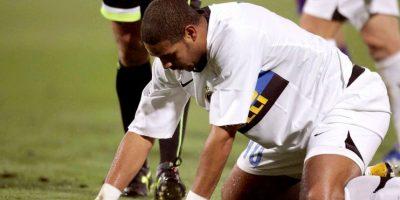 Adriano: Su corpulencia y físico le permitían ser un delantero privilegiado y todos pensaban que iba a ser el sucesor de Ronaldo en la selección brasileña. Desperdició su carrera por su gusto por el alcohol y las fiestas nocturnas. 'Cayó nuevamente en la bebida', reconocía, por ejemplo, el presidente de Flamengo en 2010. Foto:Getty Images