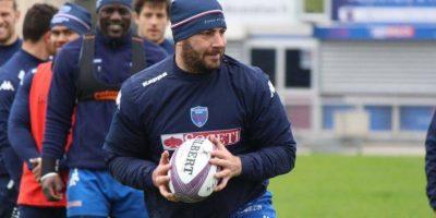 Jugador de rugby ofrece sus servicios en sitio web
