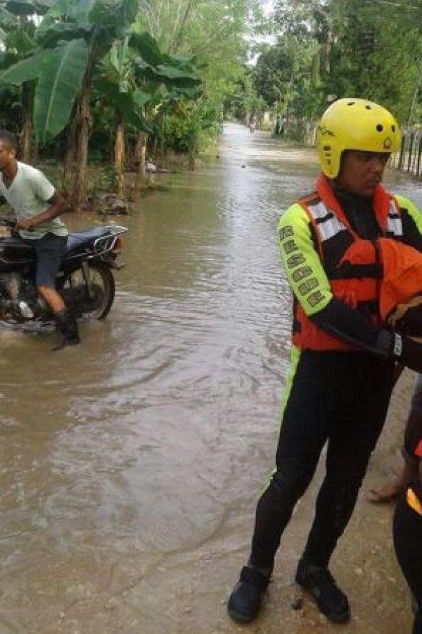 Bajo Yuna luego del desfogue de la presa de Hatillo en Distrito de Las Coles . Foto:Fuente externa