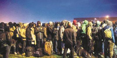 "Conmoción por ""selva de refugiados"" en Francia"