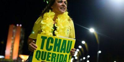Las manifestaciones a favor y en contra se mantienen hasta último momento. Foto:Metro