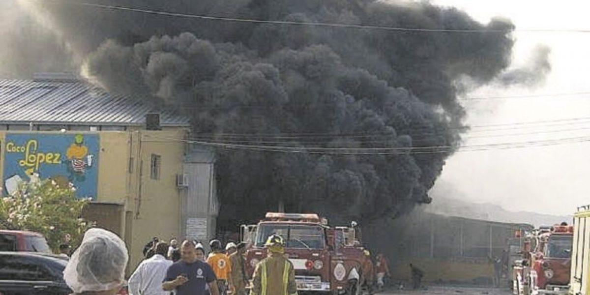 Explosión en planta de enlatados deja dos muertos y 12 heridos