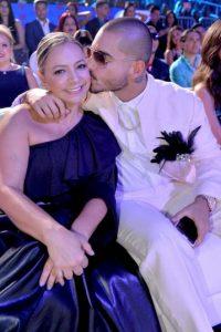 Aquí con su mamá, en los Premios Juventud Foto:Getty Images
