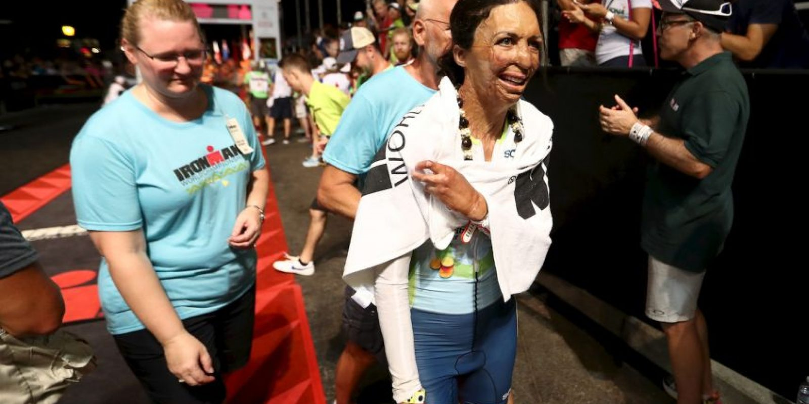 Turia Pitt, la exmodelo quemada que terminó el triatlón de Hawáil Foto:Getty Images