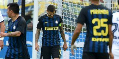 El delantero viene de fallar un penal ante Cagliari y ser amenazado por los hinchas de Inter de Milán. Foto:Getty Images