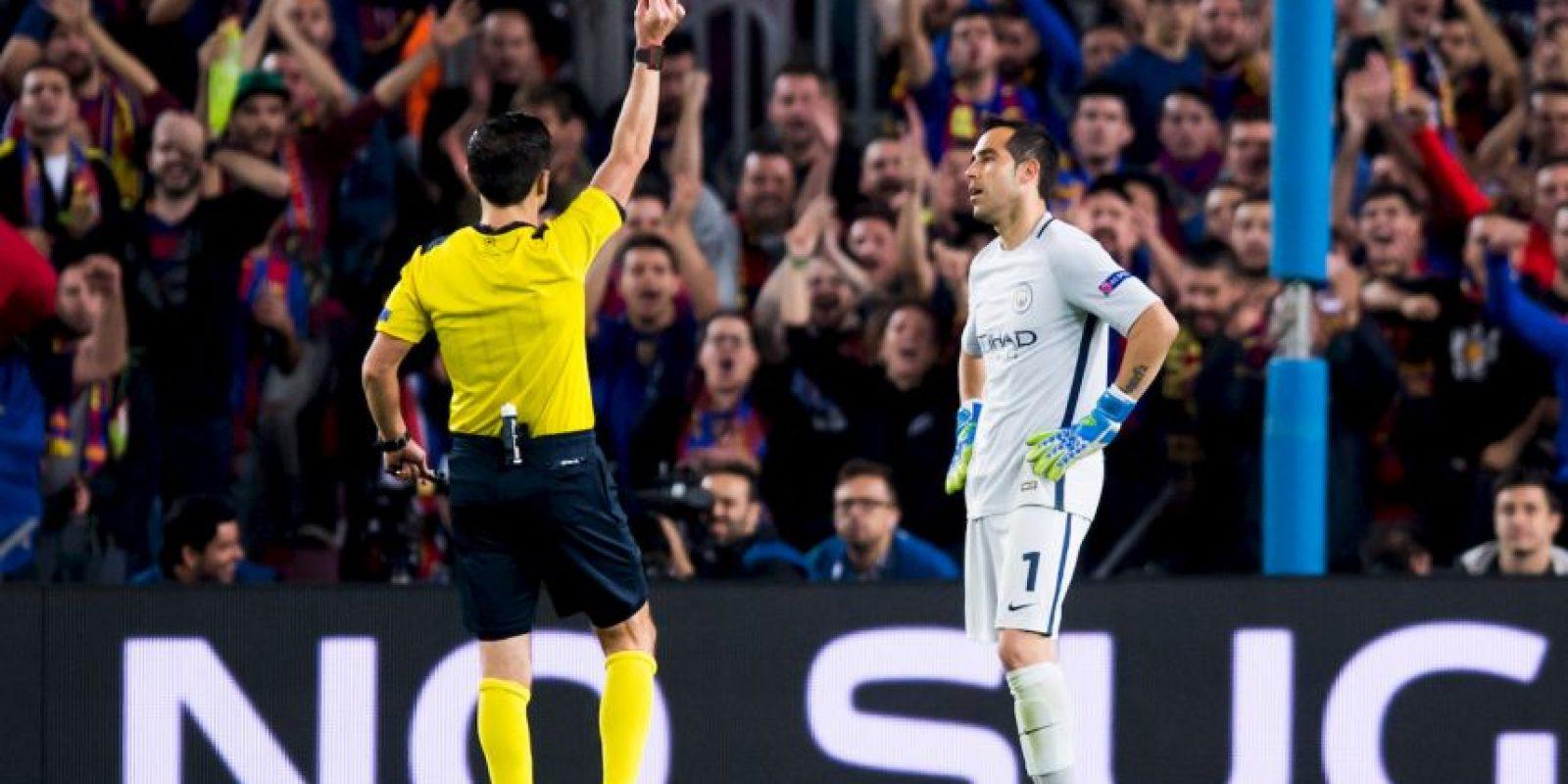 La acción le costó la tarjeta roja Foto:Getty Images