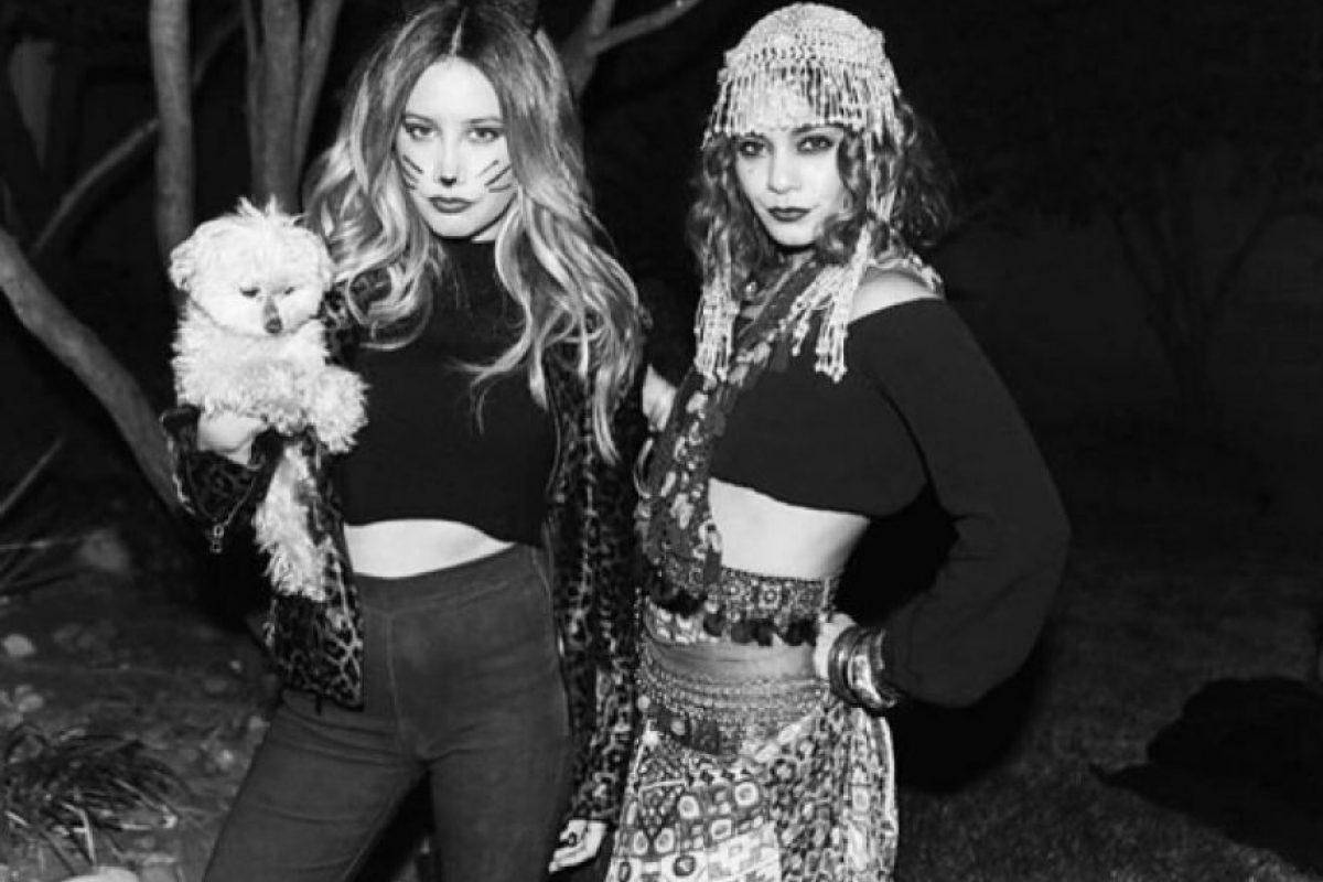 Ashley Tisdale es una tierna gatita y Vanessa Hudgens una gitana