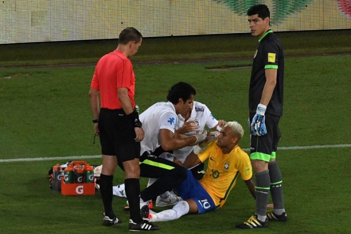 Muchos criticaron a Neymar y otros al juego brusco de Bolivia Foto:AFP