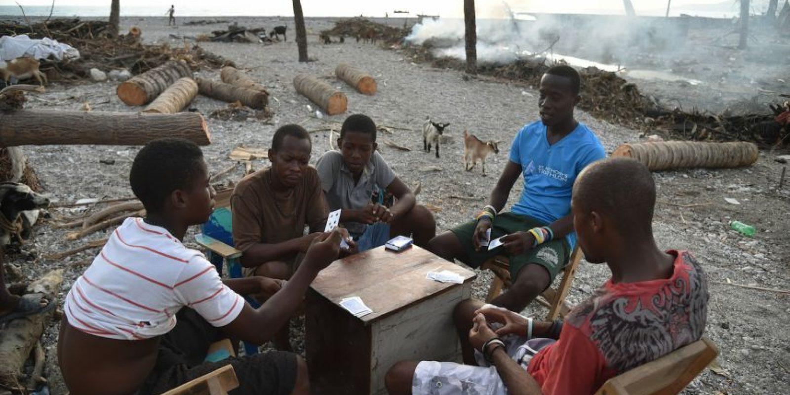 Las comunidades buscan regresar a la normalidad Foto:AFP