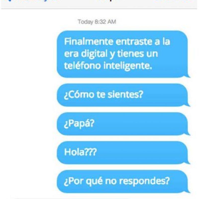 ¡Papás e hijos en WhatsApp! Foto:Facebook