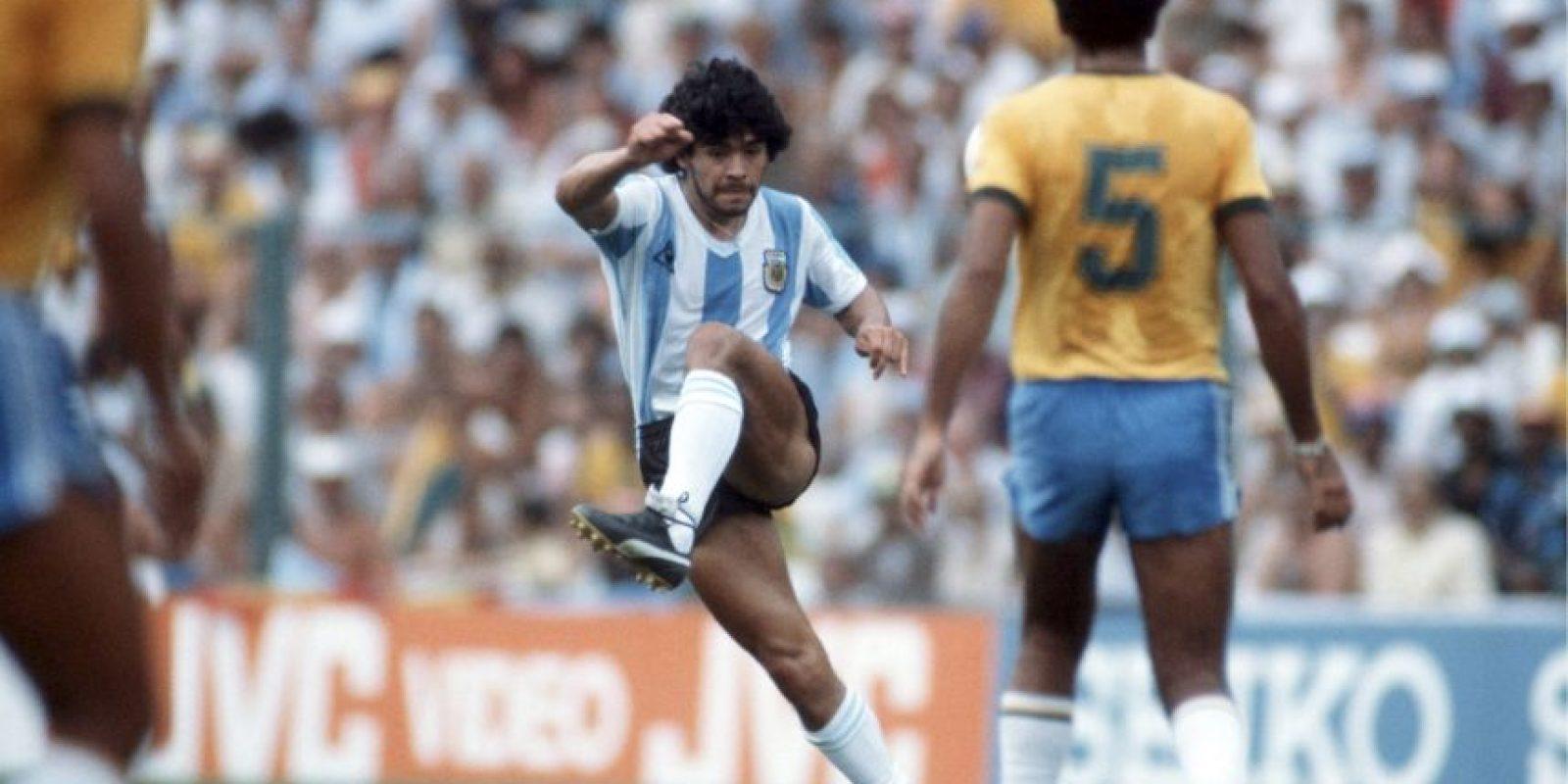 Diego Maradona – mediocampista de creación Foto:Getty Images