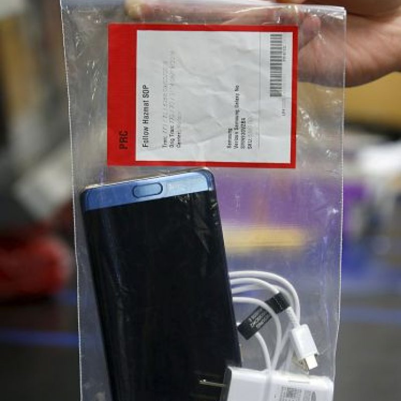 Samsung se vio obligado a ordenar una revisión a escala mundial del dispositivo Foto:Getty Images