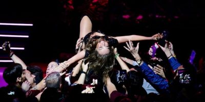 Thalía revela lo que pasó con el cierre de su vestido