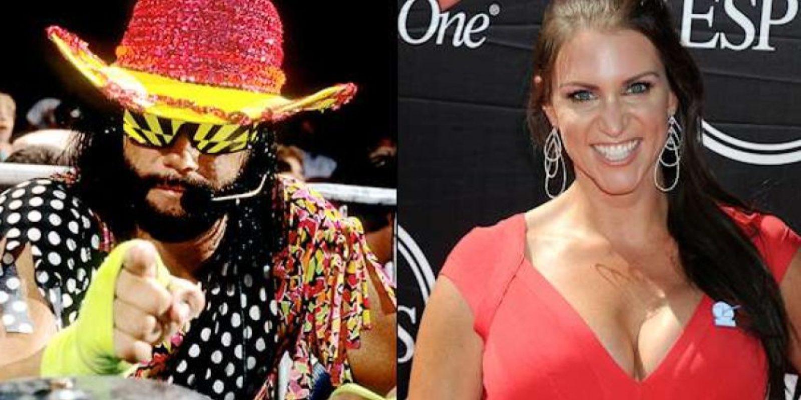 A diferencia de otras leyendas Randy Savage no pudo regresar a retirarse a WWE. Se rumora que la razón es una aventura con Stephanie cuando ella tenía 17 años. Claro que esa relación no gustó a Vince McMahon Foto:WWE