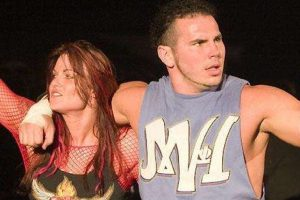 Matt Hardy descubrió que Lita lo engañó con Edge. Después salió de WWE. Foto:WWE
