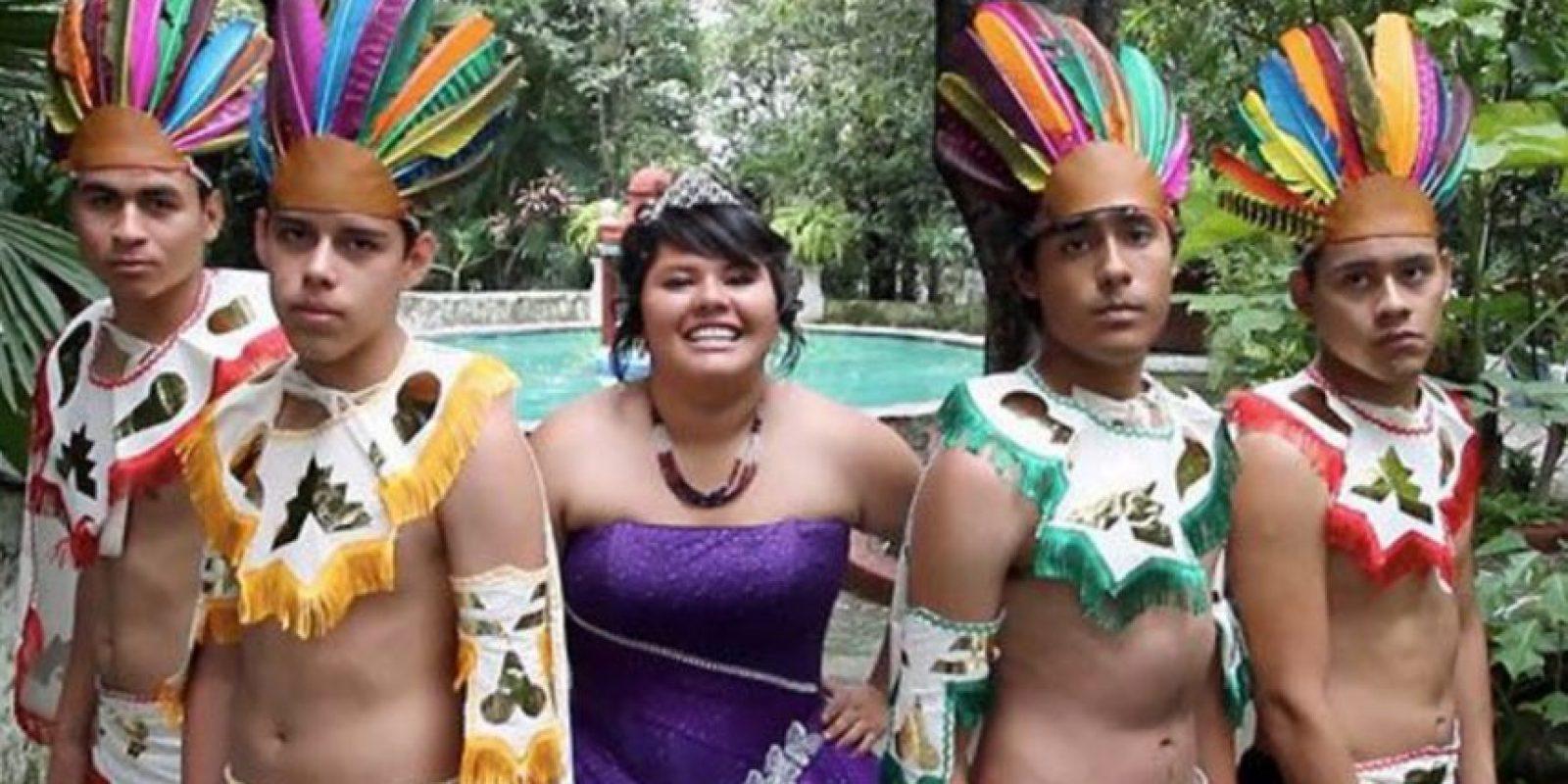 Colibritany solo refleja cómo son las fiestas de quince años en México