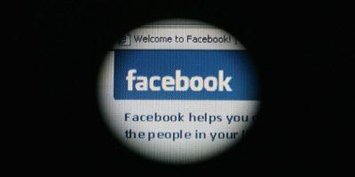 La información que colocan en su perfil de Facebook puede quedar a merced del FBI. Foto:Getty Images