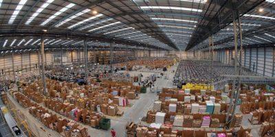 La suma de todas las bodegas de Amazon llegan a los 1.4 kilómetros cuadrados, tres veces más grande que el Vaticano Foto:Getty Images