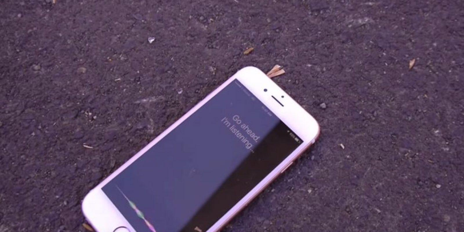 Siri pensó que querían su ayuda Foto:TechRax/YouTube
