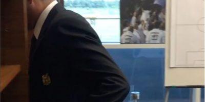 Antes del viaje a tierras asiática, Mourinho mostró su salida de la oficina en Manchester y dejó ver una foto en la época de Real Madrid Foto:Getty Images
