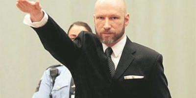 Breivik repite saludo nazi en juicio