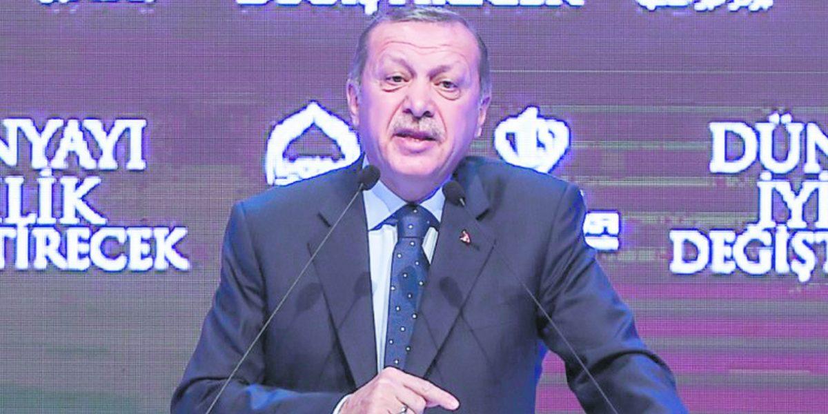 """Turquía advierte a Holanda que """"pagará un alto precio"""""""