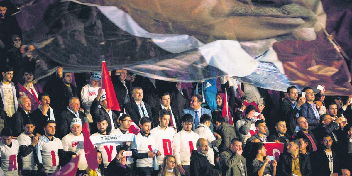 Erdogan se enfrenta a la Unión Europea por el referendo turco