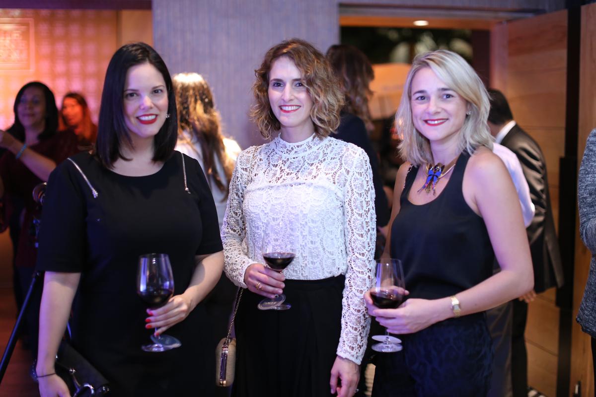 8- Rita García, Anet Perezmella e Ivonne Tejera