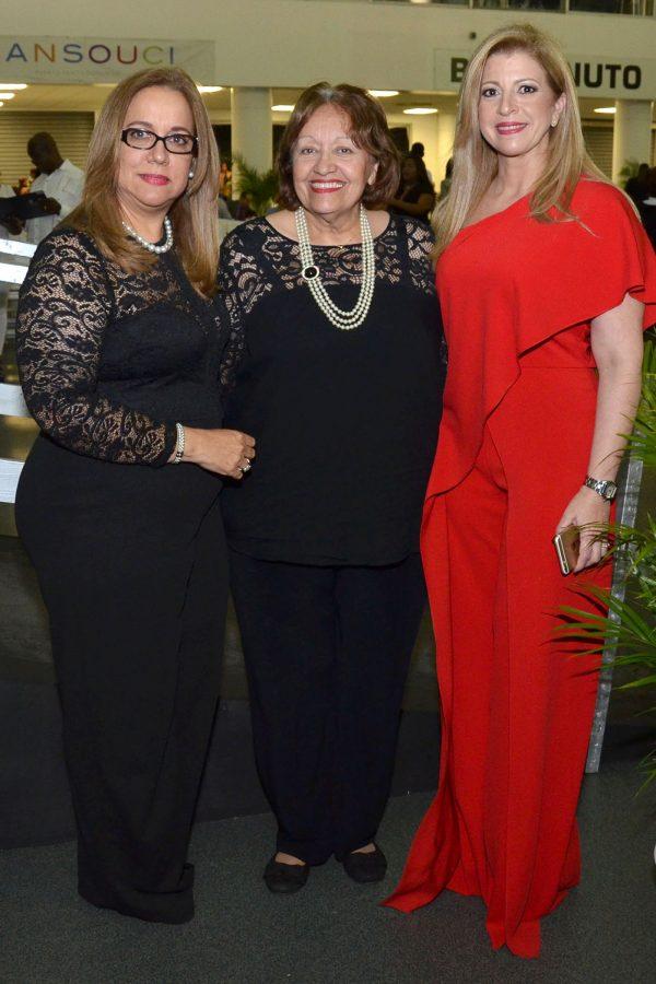 Foto 3 Ana Gilma Madera, Ariadna Martin y Ariadna Aybar Martin de Garcia