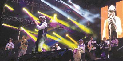Juan Luis Guerra sedujo Buenos Aires con su contagioso merengue