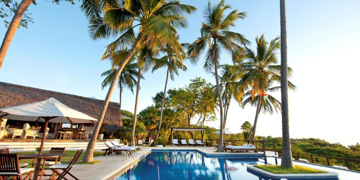 https://assets.metrolatam.com/do/2017/03/21/Casa-Bonita-Tropical-Lodge-area-de-piscina-1200x600.jpg
