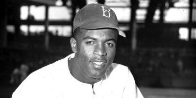 Honor a Jackie Robinson, Dodgers develarán estatua para el eterno 42