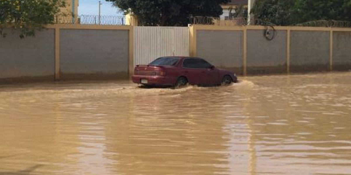 Escuela La Unión lleva tres días sin clases por charco de agua