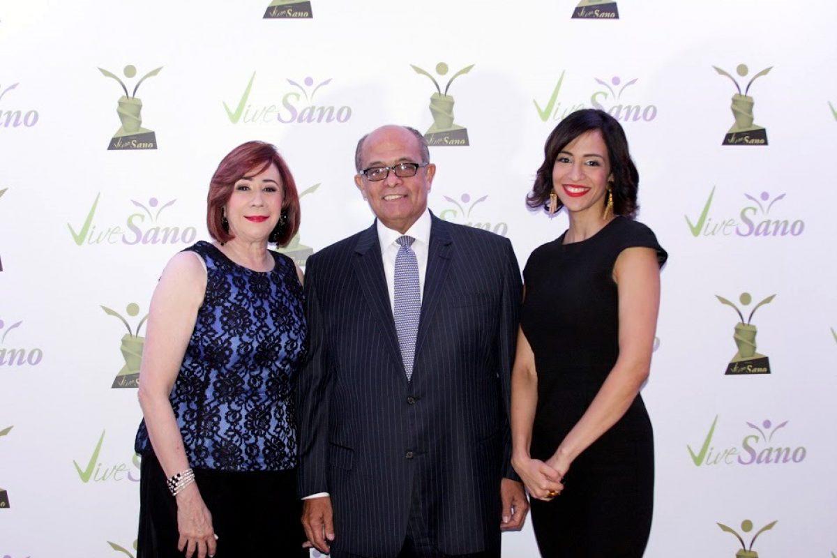 Ingrid Ruiz de Silie, Jose Silie y Carolina Silie