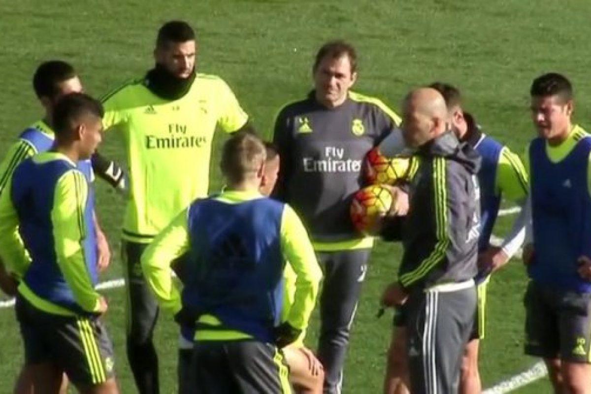 Zidane dirige su primer entrenamiento en el Real Madrid entre aplausos 5369009ae7eae