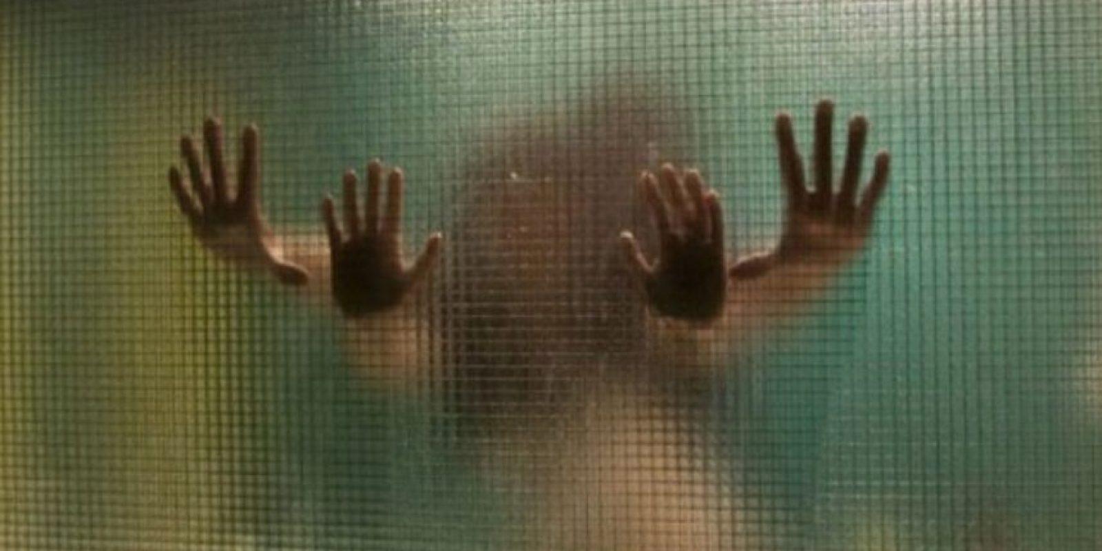 Сиськи в стекле, Голые сиськи малышек за стеклом (15 фото эротики) 11 фотография