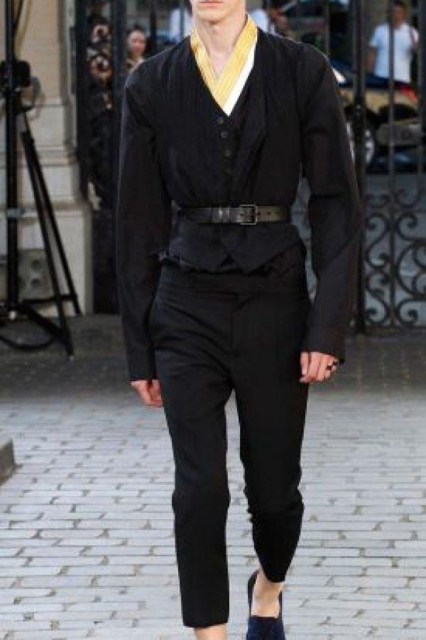 38b54eb2d Por qué los diseñadores masculinos hacen ropa que un hombre jamás se ...