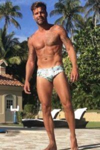 Ricky Martin también presume su cuerpo tonificado Foto: Vía Instagram/@RickyMartin