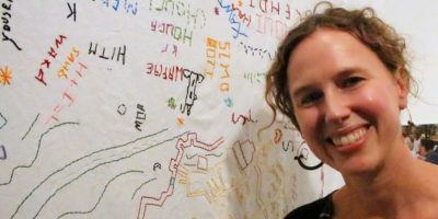 La artista estadounidense Liz Kueneke