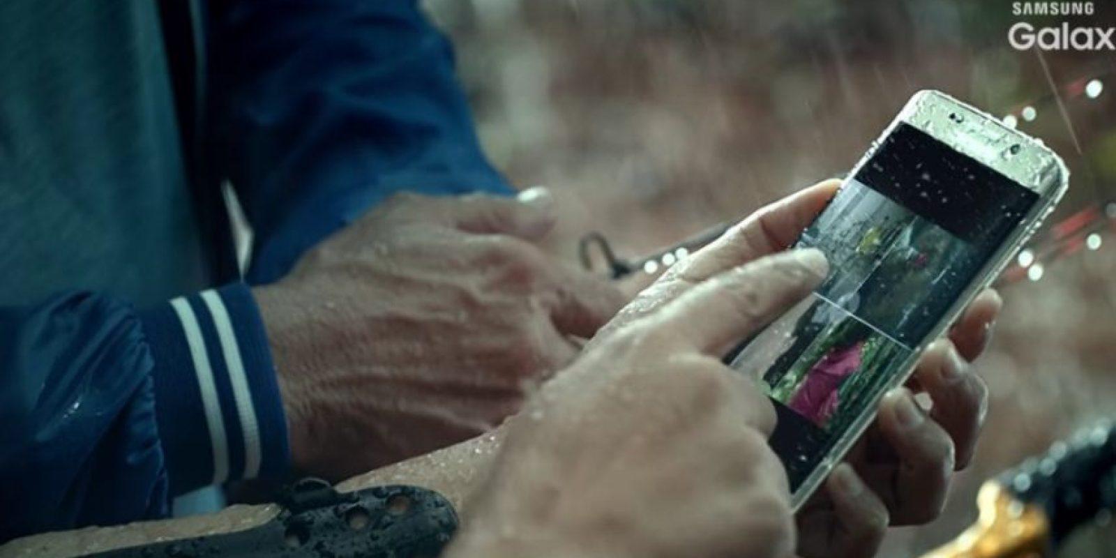 Samsung Galaxy S7 resistiría al agua. Foto:Vía Samsung / YouTube