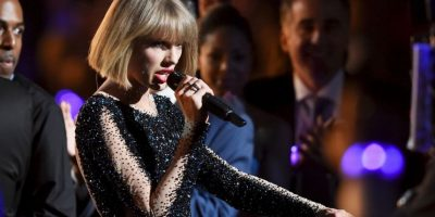 Taylor Swift abrió la noche Foto: Getty Images