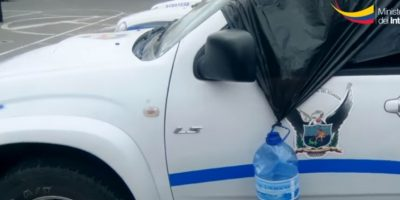 En el procedimiento se registraron varios incidentes,y los equipos de la Policía fueron agredidos. Foto:Ministerio del Interior