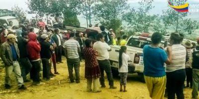 L a comunidad detuvo a dos individuos desconocidos, acusados de presunto abigeato, en el sector de Sigcho, en la parroquia Sinincay. Foto:Ministerio del Interior