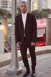 """J Balvin: Álbum del año """"La Familia"""" en la categoría Urbano Foto:Vía Twitter"""