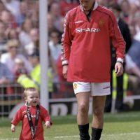 A los 18 meses compartió el estadio con su padre Foto:Getty Images