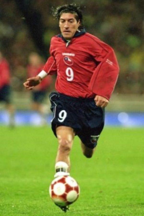 2- Iván Zamorano, ex futbolista chileno. Diversas entidad bancarias lo demandaron por múltiples deudas que ascienden a más de 3 millones de dólares. Foto:Getty Images
