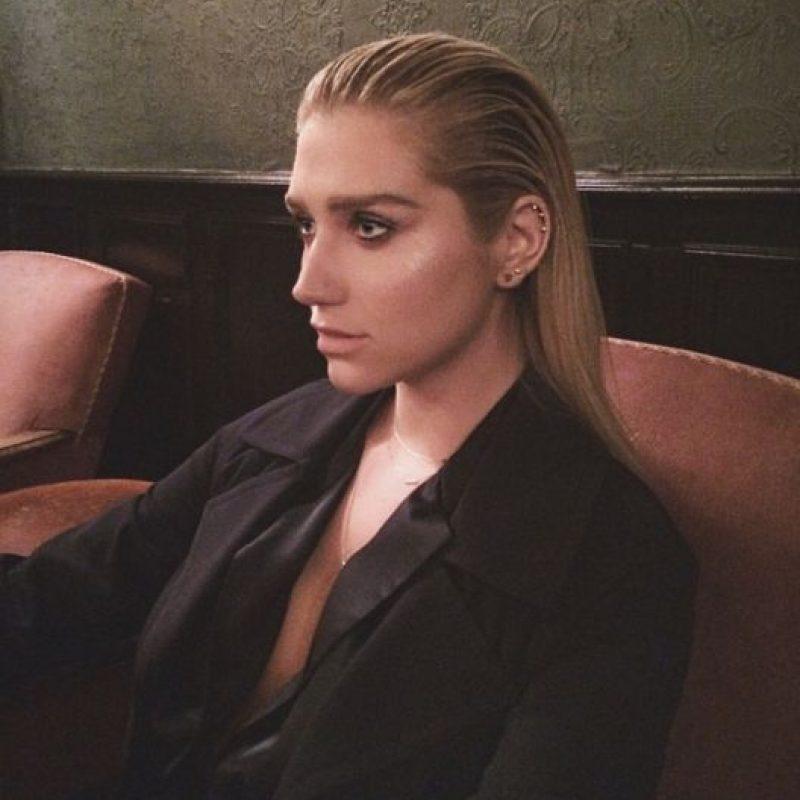 Pero fue hasta octubre de 2014 que Kesha rompió el silencio y habló del abuso sexual, fisico, verbal y emocional que vivió durante 10 años con su productor. Foto:vía instagram.com/iiswhoiis