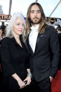 Jared Leto acompañado por Constance Leto Foto: Getty Images