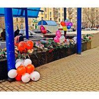 Con estos adornos florales se recordó a la menor decapitada Foto:Instagram.com