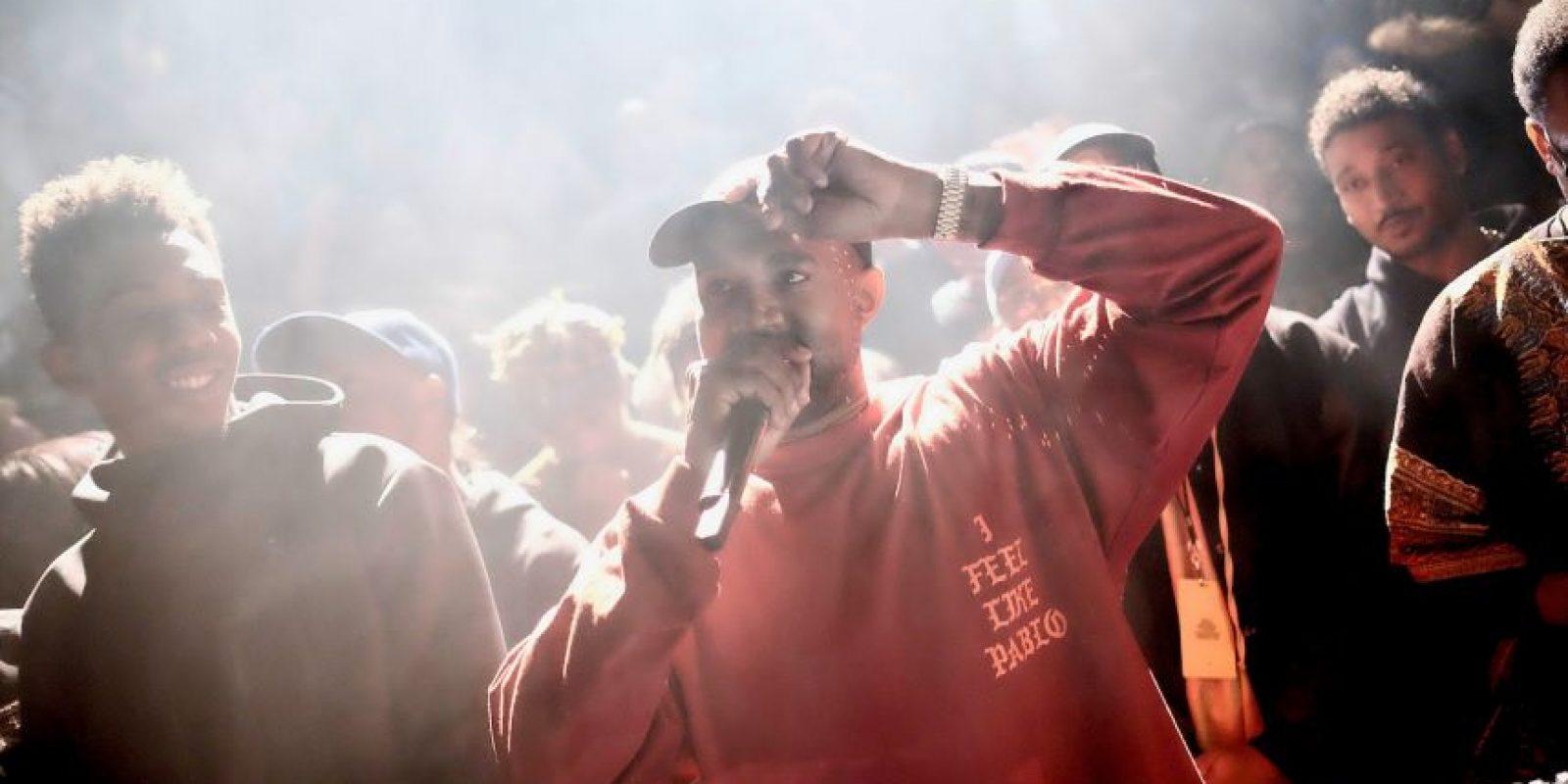 """Kanye West ha estado en el ojo del huracán a la par que lanzó su más reciente material discográfico: """"The Life of Pablo"""". Desde el misterio de a cuál """"Pablo"""" se refiere (si Picasso o Escobar), hasta la letra de la canción """"Famous"""", donde critica a Taylor Swift. Foto:Getty Images"""